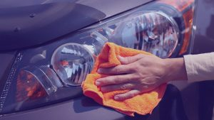 Distinctive-Details-exterior-glass-cleaner